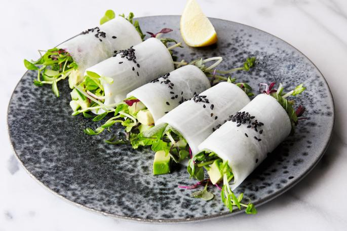 Daikon rolls with avocado